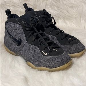Boys gray black Nike foamposites size 2.5